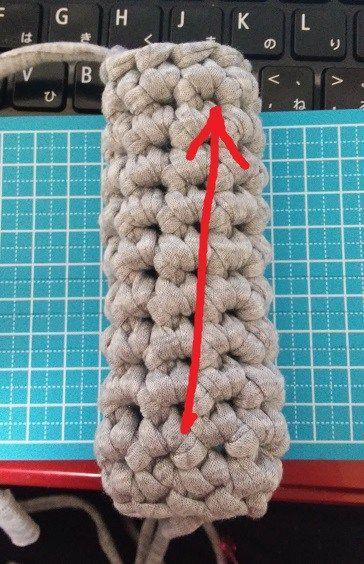 かぎ針:細編みで筒状に編む時、斜めになるのを簡単に解消する方法!クラッチバッグ・あみぐるみなどに! もっと見る