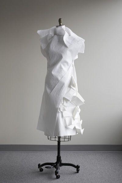 Interesting...    Ying Gao dress (fromFashion Studio: FASHION & TECHNOLOGY)