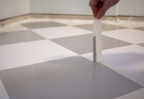 Måla rutigt golv – en guide | ennui