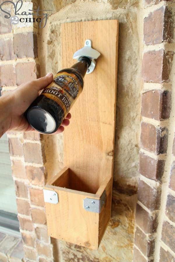Tengo una fantástica idea para todos vosotros y además es súper fácil de hacer, esta es un abridor para botellas hecho con tablas de palets...