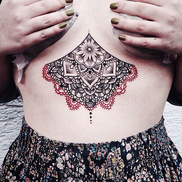 21 besten sternum tattoo bilder auf pinterest mandala t towierung tattoo ideen und tattoo. Black Bedroom Furniture Sets. Home Design Ideas