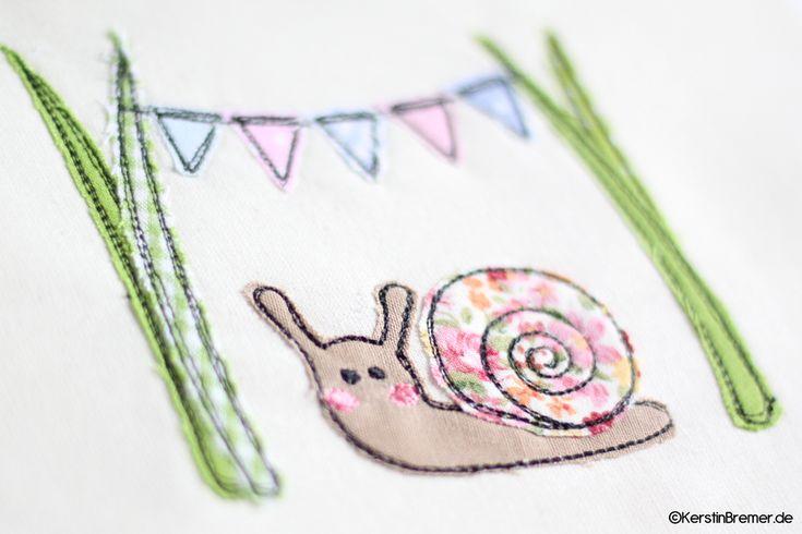 Süße Schnecke im Gras mit einer Wimpelkette ♥ Doodle Applikation Stickdatei von…