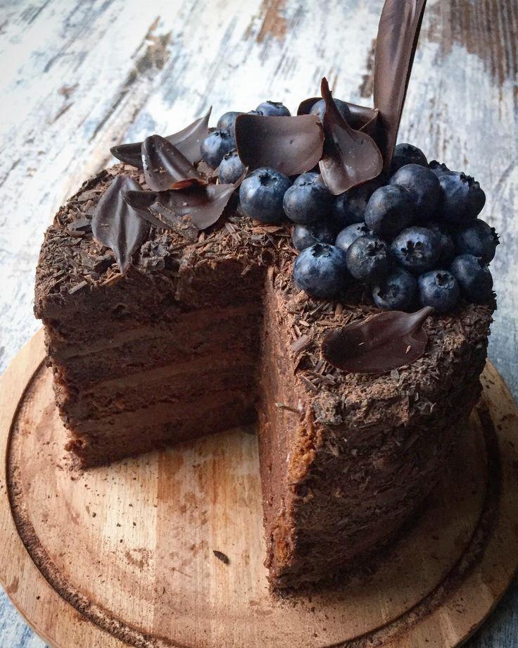 Шоколадно-абрикосовый торт c ганашем «Венское соглашение» Хозяйке на заметку Ещё торты-хиты Мой новый «Красный бархат» Шоколадный на «Раз-Два-Три» — с него начинают знакомство с блогом «Колибри» — ямайский феномен «Тёмный Ларри» — на сегодня максимально шоколадный торт Идеальный морковный торт с орехами и цукатами «Энни Бэрри» — ягодное блаженство «Партия» с двойным характером Кофейная американская классика Торт...