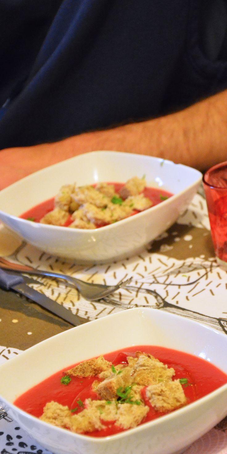 Zuppa di barbabietola rossa e patate
