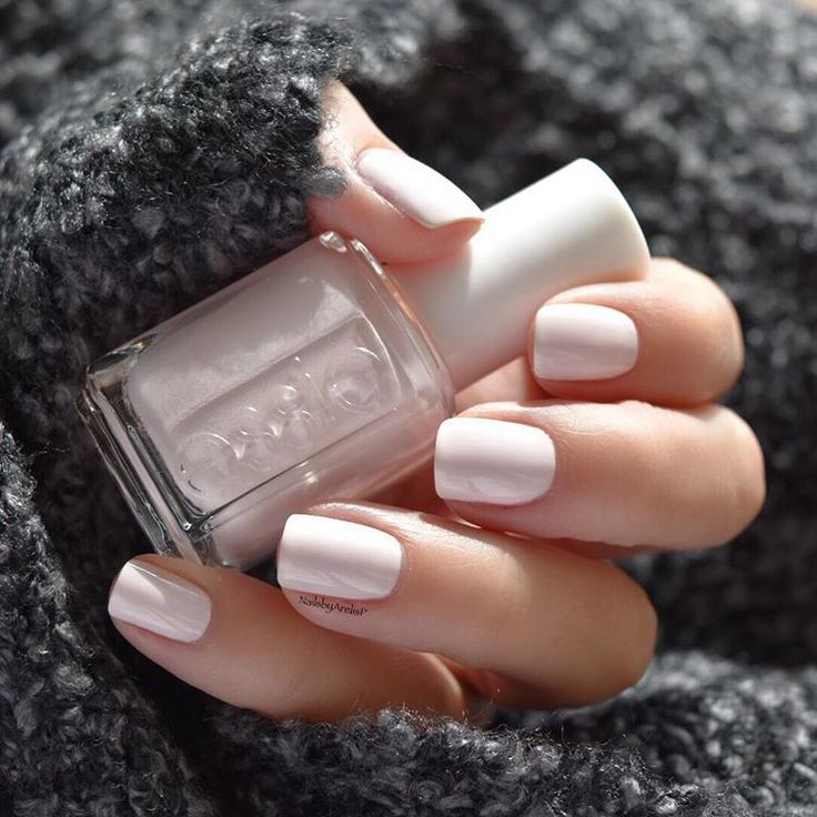 """❄️ Essie Winter Collection 2015... PEAK SHOW is a scenic powder pink  This is Perfection  Top coat is Essie Good to Go for the perfect shine.…"""