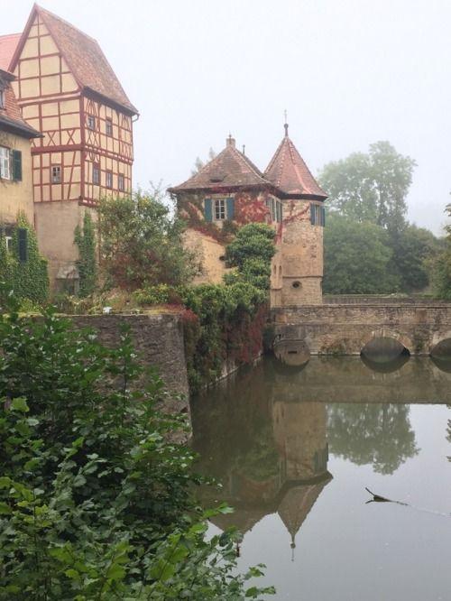 Wasserschloss Unsleben im Herbst