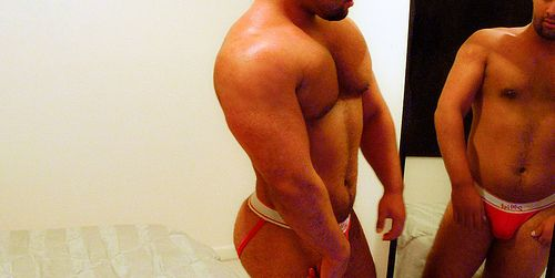 A férfiak testképzavara Az egészséges életmód egészséges jelenléte fontos az egyén életében. Fontos a megfelelő étkezés, fontos a sportolás, a rendszeres testmozgás. http://www.fittsport.com/fitness_hirek/a_ferfiak_testkepzavara.html