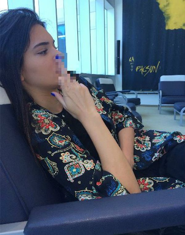 """Sibling Rivalry?: Kendall Jenner Gives Kylie Jenner the Middle Finger While Kylie Calls Sister a """"Wh-re""""—See the Pic!"""