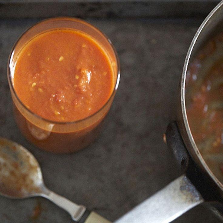 hazan s tomato sauce with onion and butter marcella hazan tomato sauce ...