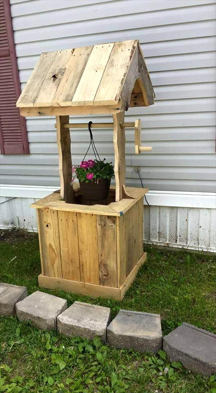 Garden designs with bridges and wishing wells landscaping ideas - Pallet Wishing Well 70 Pallet Ideas For Home Decor Pallet Furniture Diy