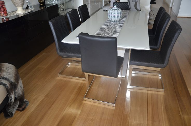 Naturally Australian Platinum timber flooring - Colour: Tasmanian Oak