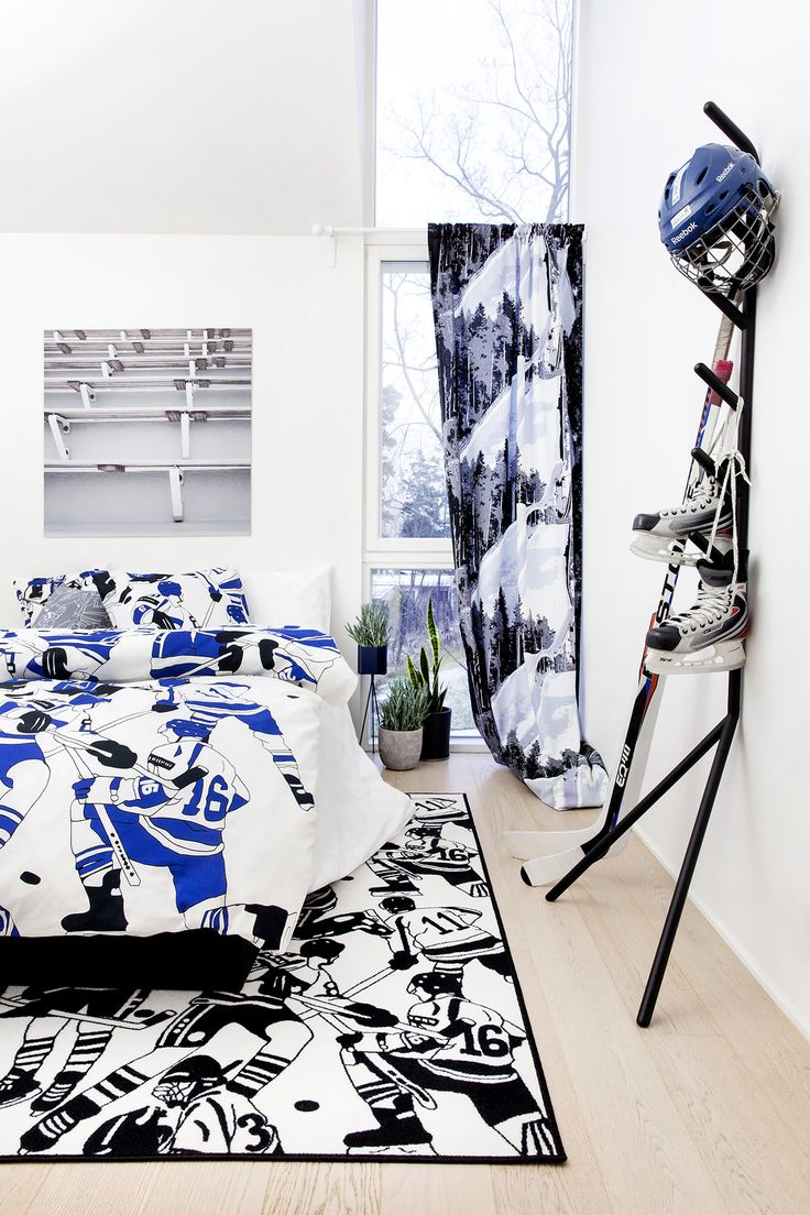 Ysiviis bed set, rug and cushion by Eveliina Netti, Puijo curtain by Vilma Pellinen