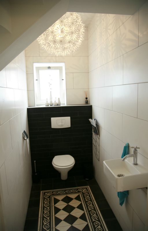 208 best ensuite ideas mini images on pinterest small toilet room downstairs toilet and - Wc tegel ...