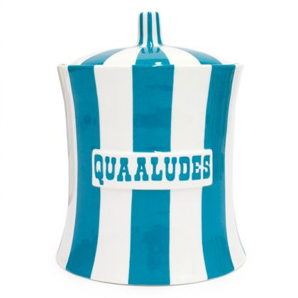 Jonathan Adler does it again. I must have these for the bathroom.Quaalud Canisters, Stuff, Adler Quaalud, Gift Ideas, Adler Mobiles, Cookie Jars, Jonathan Adler, Ceramics Canisters, Cookies Jars