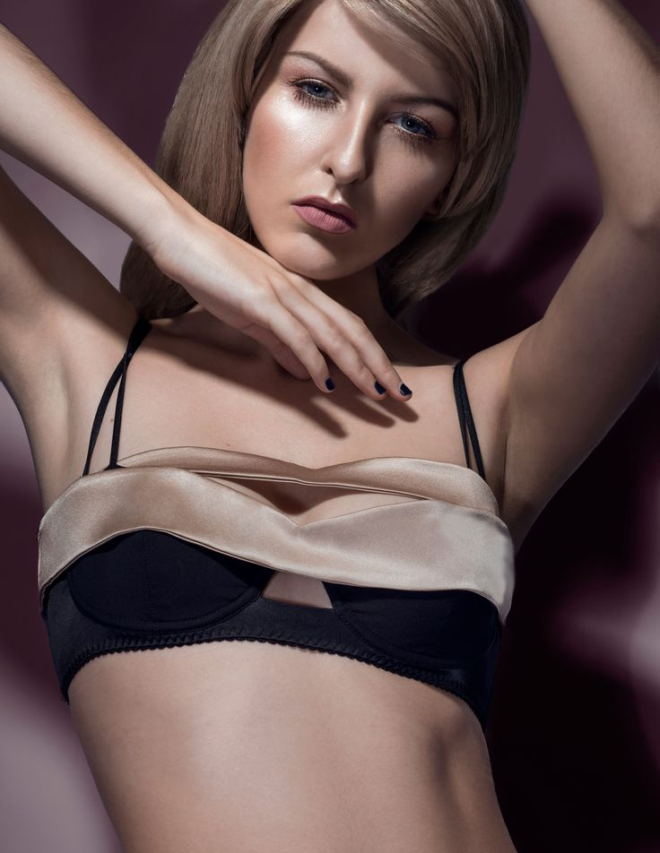E.L.F Zhou London // Haunting Midnight - Cross Band Balcony Bra