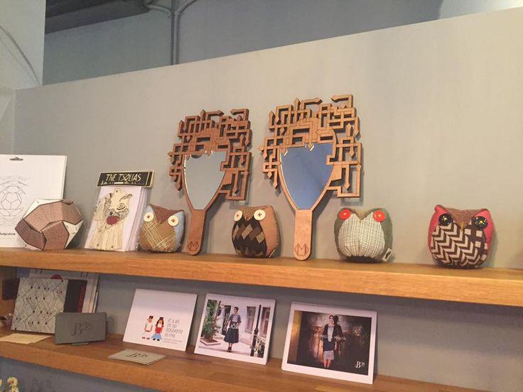 Discover more accessories at B38. #gadgets #mirror #clothanimaldolls #psarokokalo #B38 #mirellamanta #owls