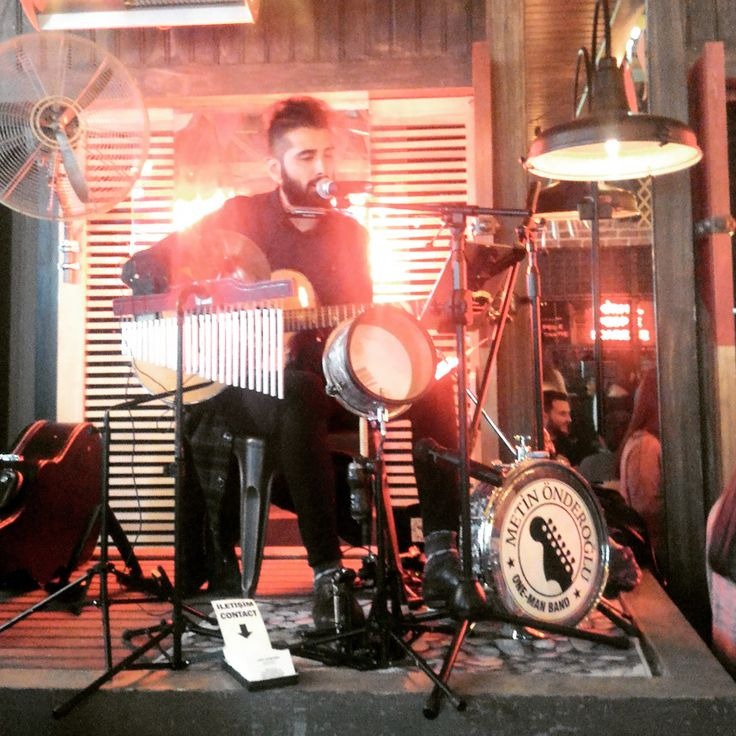 Metin Önderoğlu One Man Band - En İyi Kadıköy Profesyonel Müzik Grupları gigbi'de