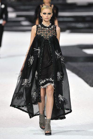 Chanel 2014 runway   Chanel - Runway Paris Fashion Week Spring/Summer 2011 - Pictures ...
