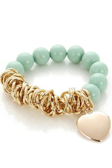 http://www.persunmall.com/p/special-green-pearl-bracelet-p-13210.html?from_prod_history=1&refer_id=23460