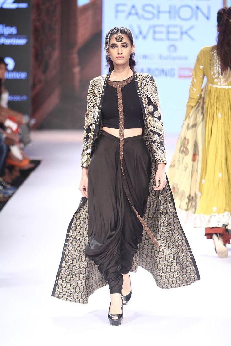 Divya Sheth at Lakmé Fashion Week Winter/Festive 2015 | Vogue India | Fashion | Fashion Shows