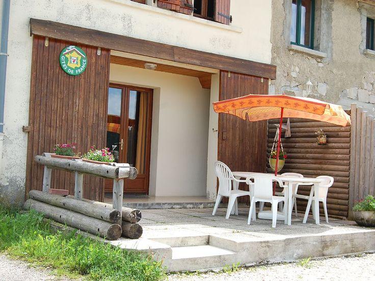 Longchaumois, Gîte de vacances avec 2 chambres pour 6 personnes. Réservez la location 6633748 avec Abritel. appartement dans ancienne ferme parc du haut-jura