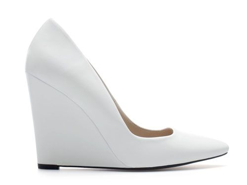 Zara white pointed toe wedges >> Shoeperwoman