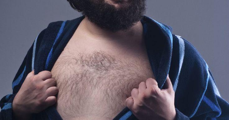 Cómo prevenir el crecimiento del vello no deseado. El vello facial y corporal no deseado puede ser vergonzoso y frustrante. Tanto hombres como mujeres experimentan el crecimiento de vello no deseado en varias zonas de su cuerpo. Para los hombres, el exceso de pelo puede ser un problema, particularmente en el pecho, la espalda, los hombros y el abdomen. Las mujeres pueden experimentar vello no ...