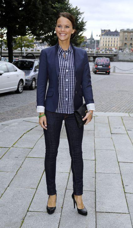 sofia-hellqvist-blazer-jeans-outfit