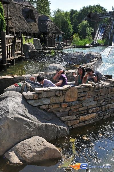 8/10 | Photo de l'attraction Menhir Express située au @ParcAsterix (France). Plus d'information sur notre site www.e-coasters.com !! Tous les meilleurs Parcs d'Attractions sur un seul site web !!