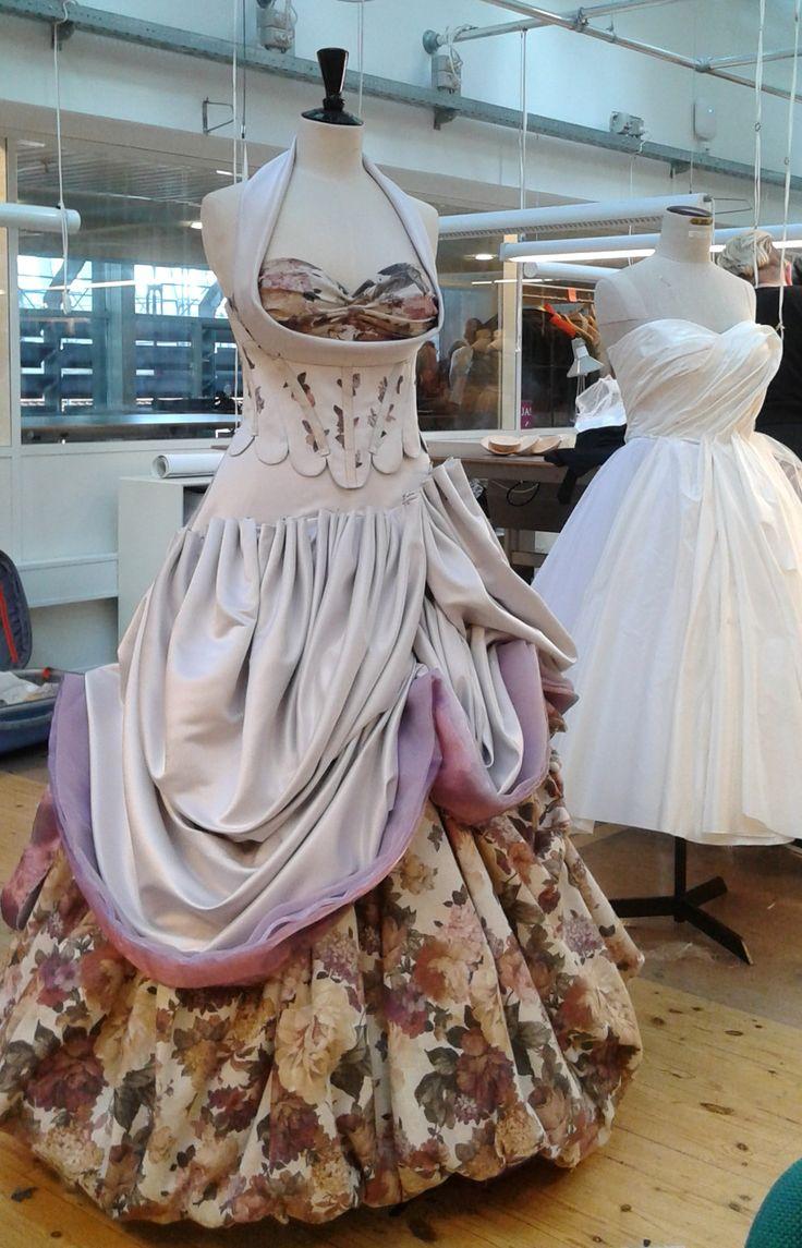 Resultatet efter en weekend Haute coture kurs I Köpenhamn. Ingen färdig klänning, men en toile (skiss) av en catwalk-klänning.