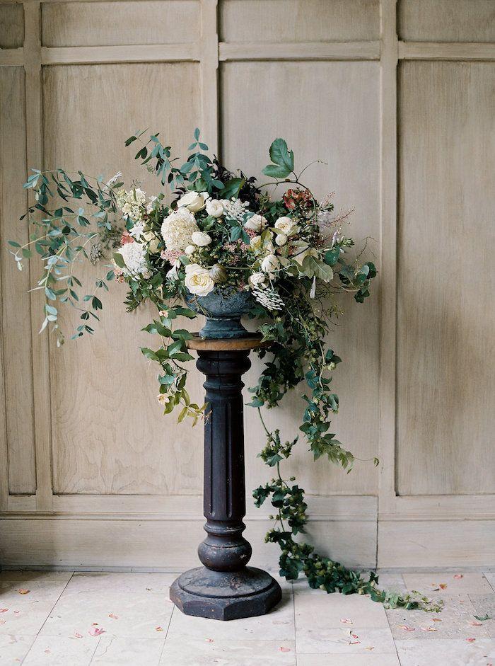 romantic cascading statement arrangement for your ceremony
