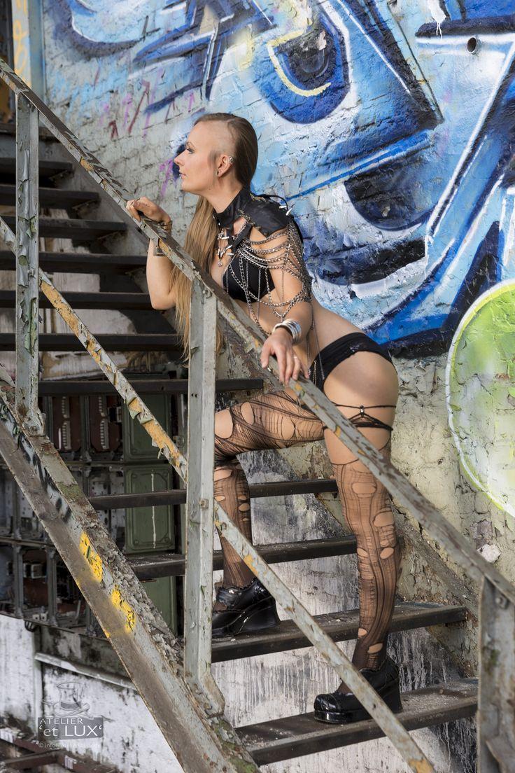 Session 'Industrial Enomis'  Photography: Atelier 'et Lux' Model: La Enomis