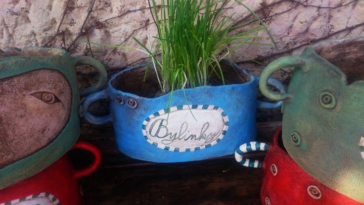 Květináč - Modrááá modelované. Květináč do Bylinkové zahrádky... š-24cm h-16cm v-11,5cm