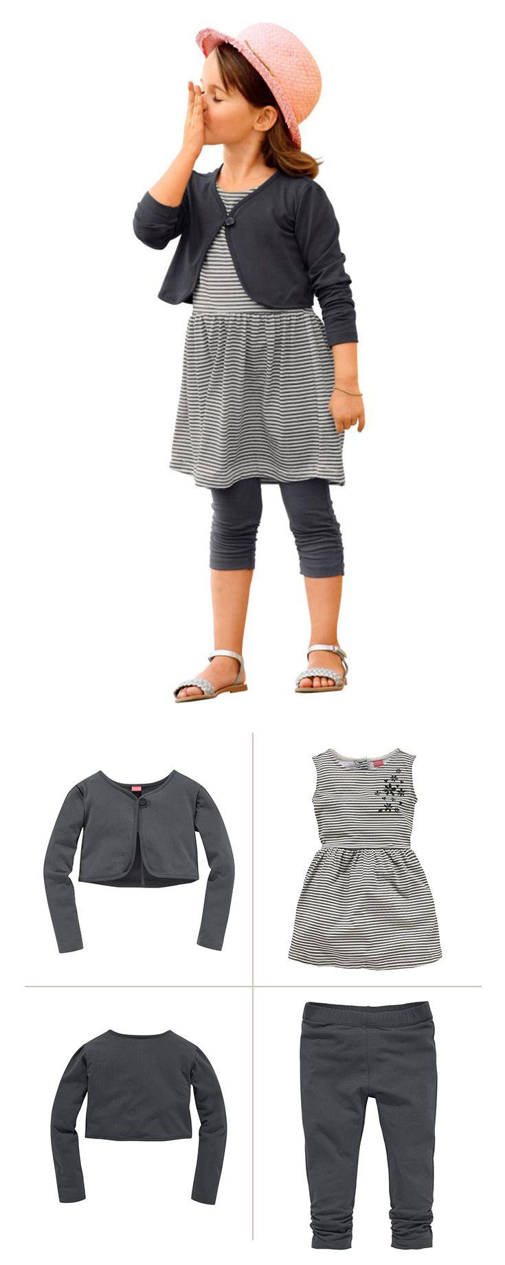 Komplettes Mädchen-Outfit von Kidoki. Mit dem 3-teiligen Mode-Set beweisen kleine Mode-Fans großes Trend-Gespür. Bolero, Kleid und Leggings sind stilsicher aufeinander abgestimmt und ergeben so ein ebenso süßes wie superbequemes Freizeit-Outfit mit maritimem Touch.