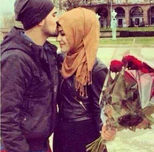 Cute and Romantic Muslim Couple
