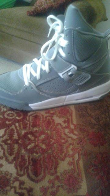 Come list sneakers for FREE! Size 7 Jordan 1 Flight 45 #sneakerfiend #flykicks #snkrhds #instakicks #sneakerheads #shoegame #airjordan - http://sneakswap.com/buy-retro-sneakers/jordan-1-flight-45/