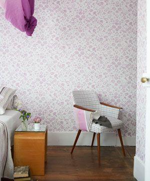 Tapeten Yukata från Designers Guild online hos Engelska Tapetmagasinet | Tapeter | Blommig | Inredning | Göteborg | Floral Wallpaper  | Romantic | Pink