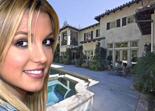 Inside Britney Spears' Mediterranean Villa in the 90210: Beverly Hills, Celebrity Homes, Pool, Inside Britney, Britneyspears, House, Spa, Britney Spears