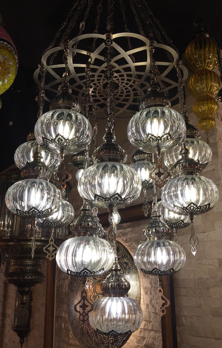 HANDMADE TRANSPARANT OTTOMAN CHANDELIER, 16 LAMPS