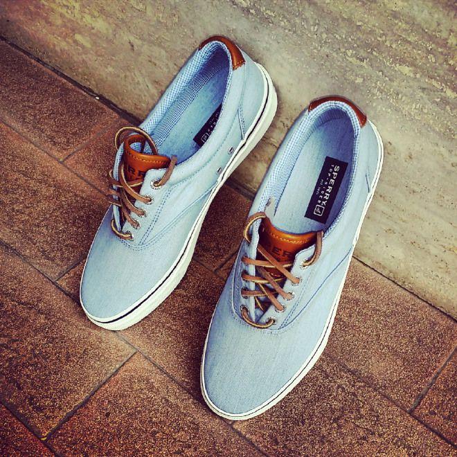 Magnifico paio di scarpe, solo per uomini di stile...