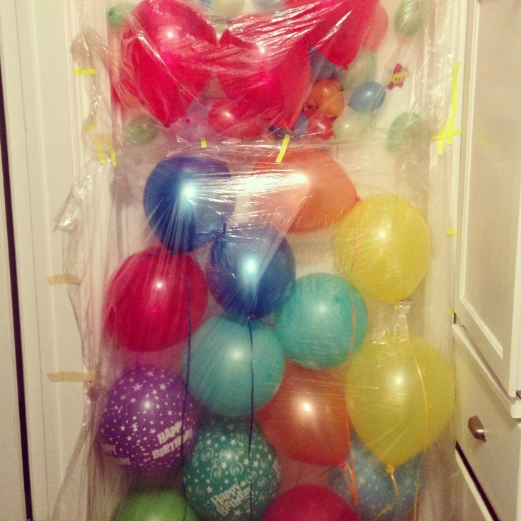 Birthday balloon surprise!!! Cute way to surprise someone just when the way wake up! Balloon attack! #balloons #birthdayideas