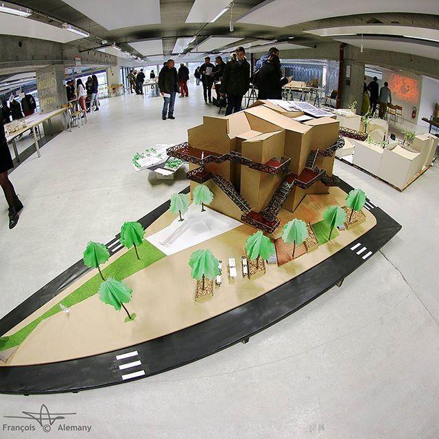 30 janvier 2016 Portes ouvertes Écoles Nationale Supérieure d'Architecture de Nantes. Travaux 1ère année #ensanantes  #architecture  #maquette  #ecoledarchi  #ecoledarchitecture  #nantes