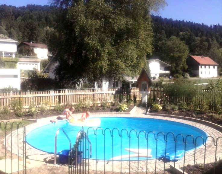 Hallo Hr. Laschet! Wir waren gerade ein paar Tage in Italien. Mit dem Zaun hat alles gut geklappt. Ich habe auch eine Bewertung auf Qype geschrieben. Anbei ein paar Fotos. Freundliche Grüße, Stefan M