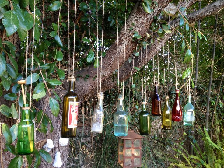 bottles, vibrant colors, kookiness... what's not to love here? Q: would they hold up to the Ohio wind?