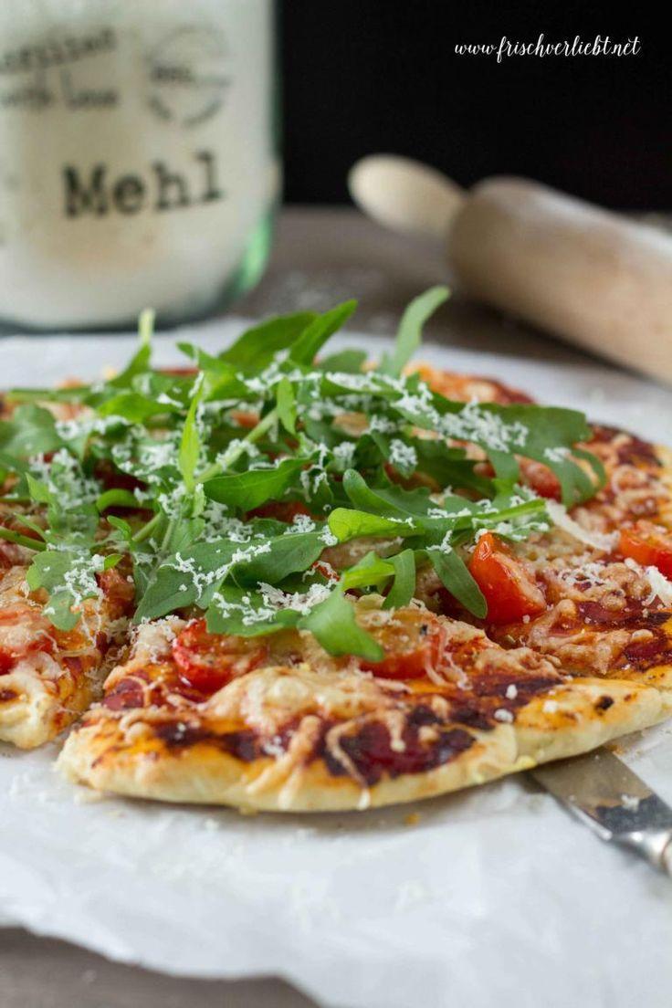 Frisch Verliebt: Rosmarin-Pizza mit Rucola und Tomaten
