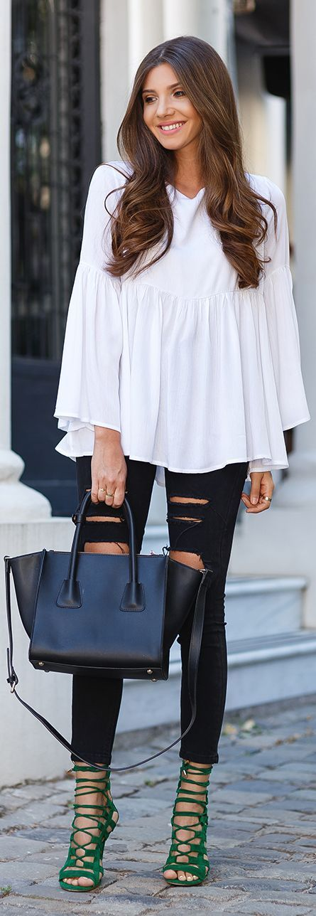 ←what to wear with gladiator sandals Green gladiator heels with black ripped skinny jeansis outfit with elements of antiquity and militancy, which,