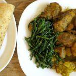 RECEPT: roti toespijs (kerriekip, groente, ei en aardappel)