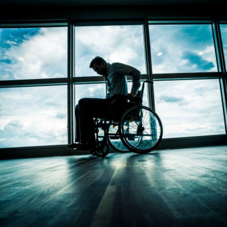 O site Oportunidades Especiais ajuda pessoas com deficiência a encontrarem empregos em grandes empresas, como HP, Tim, Oi, Ambev, Globo e Itaú. O portal reúne vagas em São Paulo, Curitiba, Recife, Rio de Janeiro e Belo Horizonte.