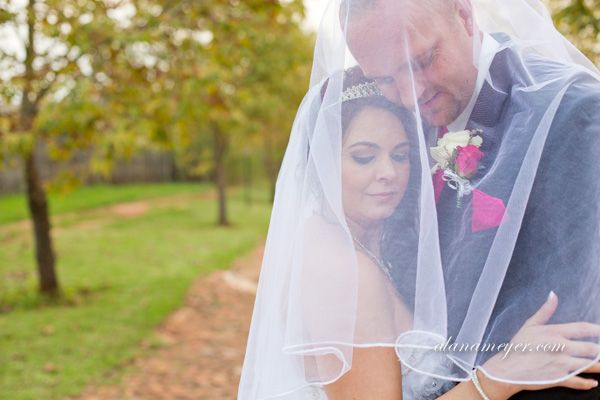 Ilse and Willem :) image taken from Alana Meyer photography at Casa-lee Country Lodge