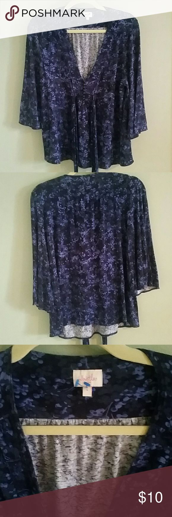 *SALE* Whistles   Floral Blouse Whistles London size 3 gently used v neck babydoll top with three quarter sleeves, tie back for fit and pretty details at neckline. Minor piling. Fits like size small. Whistles Tops Blouses